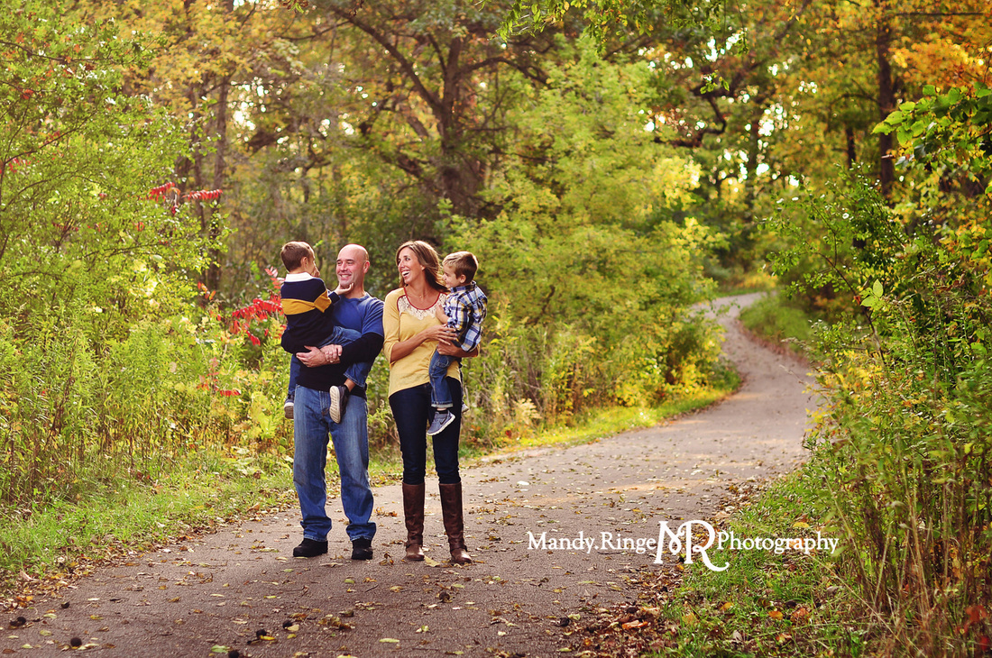 St. Charles, Batavia, Geneva, Wheaton, IL Family, Child, Baby, and Maternity Photographer: Family Portraits at Leroy Oakes Forest Preserve by Mandy Ringe Photography