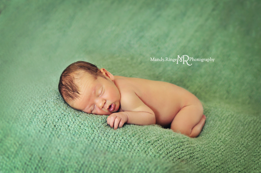 Newborn portraits - first newborn shoot // Light green knitted backdrop // by Mandy Ringe Photography