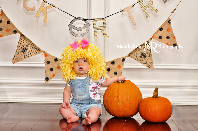 Halloween costume mini session // client's home, pumpkins, pennant banner, trick or treat, indoors // St. Charles, IL // by Mandy Ringe photography