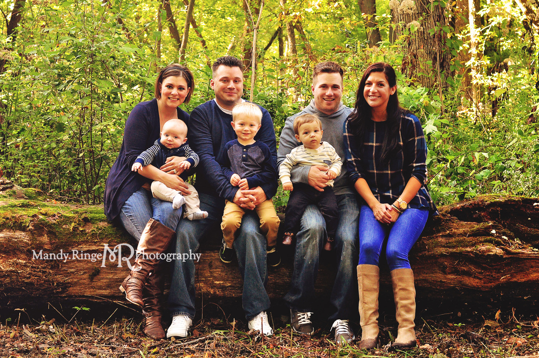 Extended family portraits // outdoors, end of summer, sitting on a log, navy blue, tan, gray // Delnor Woods - St. Charles, IL // by Mandy Ringe Photography