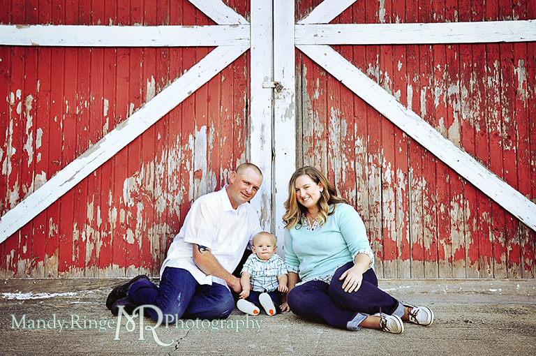 Family photos, sitting in front of red and white barn  // Leroy Oaks // St Charles, IL // by Mandy Ringe Photography