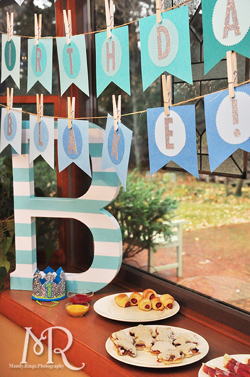 Under the Sea themed birthday party // Birthday banner, large first name letter // Boy's first birthday // by Mandy Ringe Photography