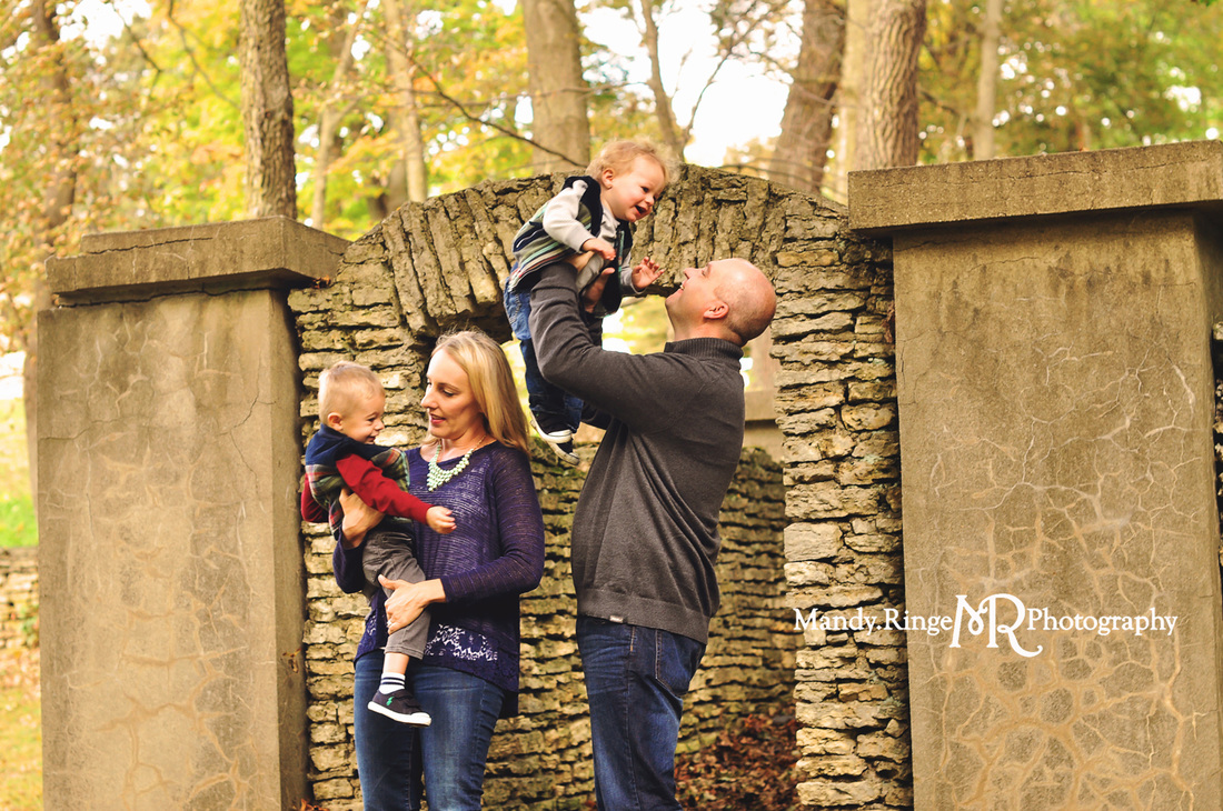St. Charles, Batavia, Geneva, Wheaton, IL Family, Child, Baby, and Maternity Photographer: Family Portraits at Fabyan Forest Preserve by Mandy Ringe Photography