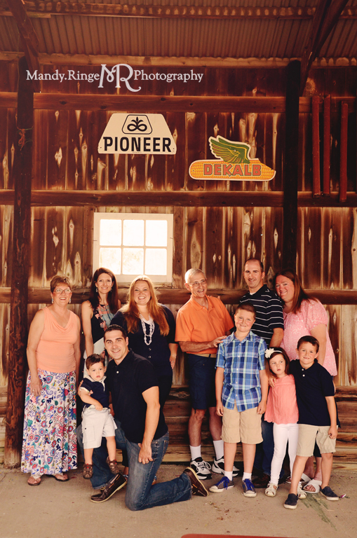 Extended family portrait session // Inside the 3-sided barn // Peck Farm Park - Geneva, IL // by Mandy Ringe Photography