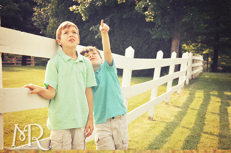Boys standing in front of a white fence // Leroy Oaks // by Mandy Ringe Photography