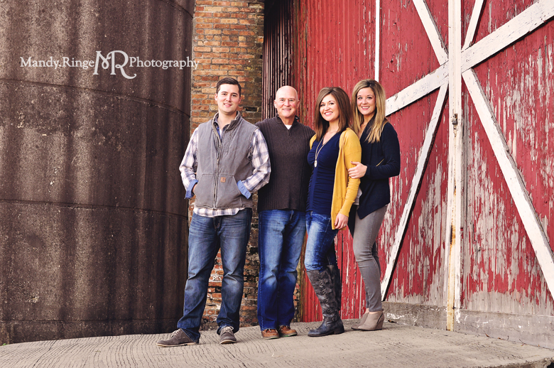 Extended Family Portrait Session // Red and white barn door // Leroy Oakes Forest Preserve - St Charles, IL // by Mandy Ringe Photography